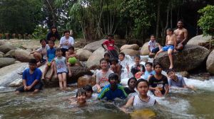 Discovery Rangers having fun at the river group